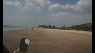 India, Goa, Mandrem beach Индия, Гоа, пляж Мандрем www.Goa.Su(Видео сделано из фотографий на пляже Мандрем, расположенном в сервером Гоа, Индия. Это самый красивый пляж,..., 2009-11-15T08:44:50.000Z)