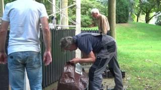 Bewoners Muiderberg knappen blikvanger van het dorp eigenhandig op