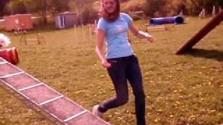 Nelly tränar agility 4