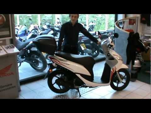 the new honda vision 50 youtube. Black Bedroom Furniture Sets. Home Design Ideas