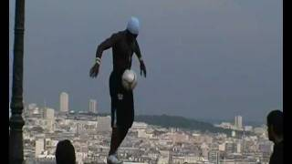 Football freestyle street artist Iya Traore in Paris