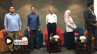 Dr M hadiri Majlis Temurapat Pimpinan PKR