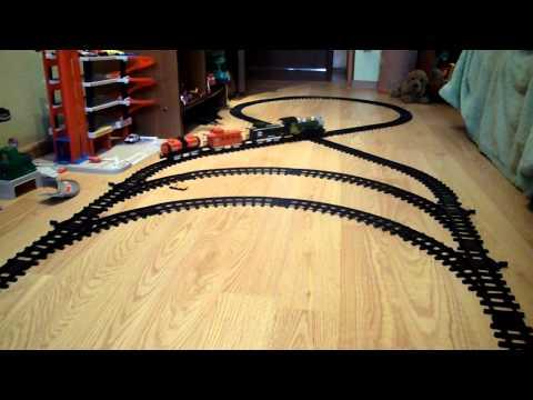 поезда столкнулись(игрушка)