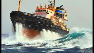 Perfect Storm! Top 10 Big Ships & Fishing Boats At Giant Waves