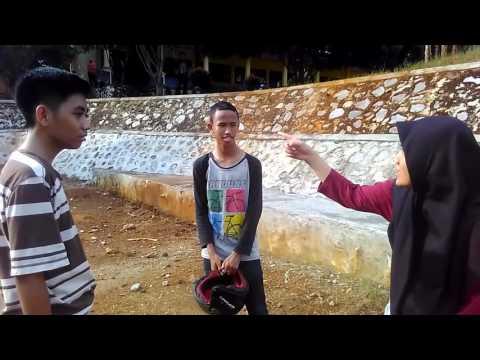 Video lucu - Cintaku Seberat Sandal (SMAN 2 Malili)