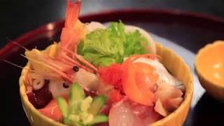 松島の絶景が望める店内では、松島名物の牡蠣、穴子はもちろん人気の「...