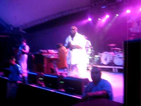 Crazy - Gnarls Barkley (Stubb's)