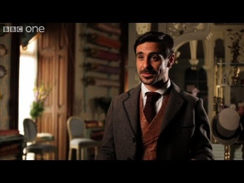Emun Elliott duces the dashing Moray  The Paradise  BBC One