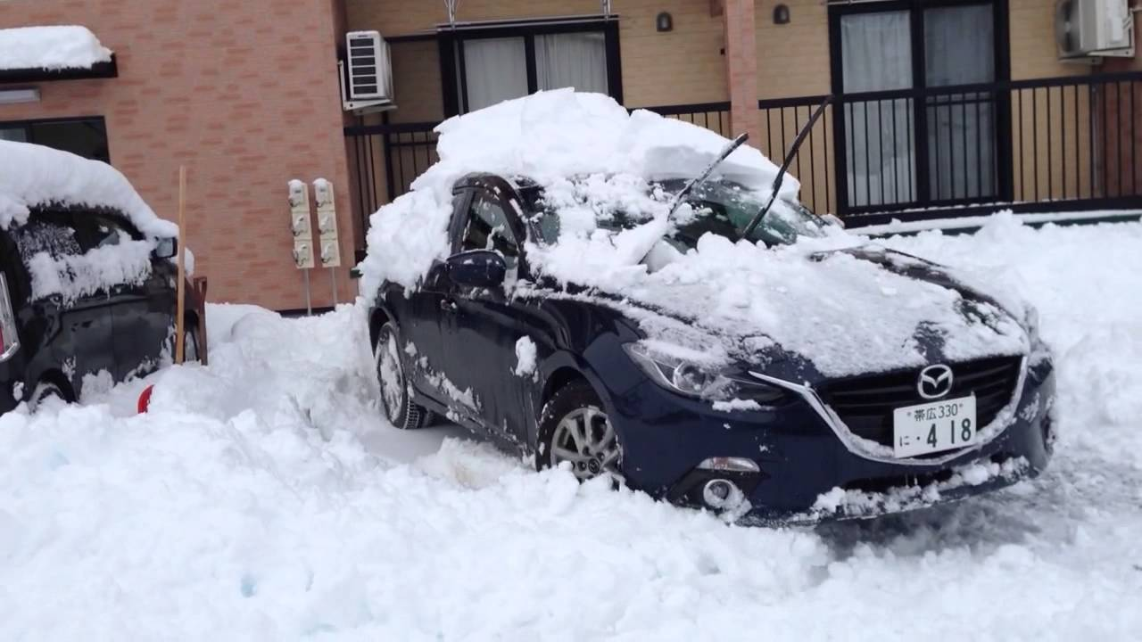 mazda 3 awd in snow youtube. Black Bedroom Furniture Sets. Home Design Ideas