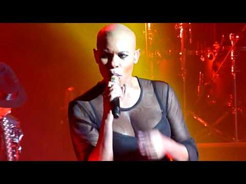 Skunk Anansie - Hedonism (Just Because You Feel Good) - Brixton Academy, London - February 2017