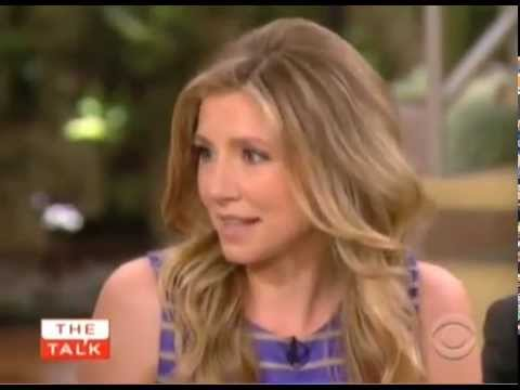 Sarah Chalke on The Talk