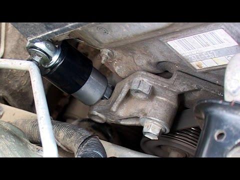 Замена натяжителя приводного ремня Corolla E120