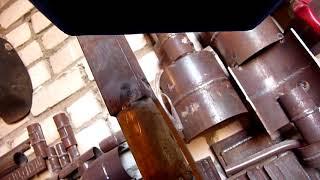 видео Сварка труб электросваркой: электроды, как правильно покрасить квадратные трубы