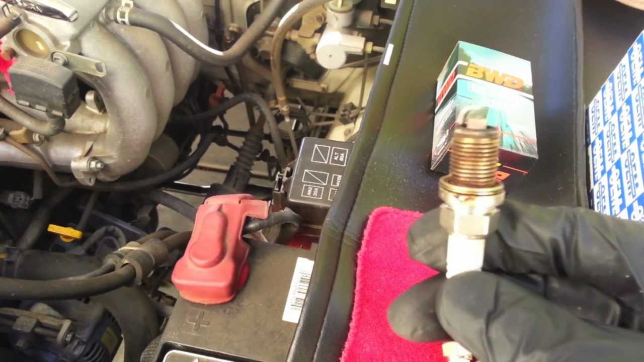 how to do a tune up 2 7 toyota youtube1999 Toyota Ta A Spark Plug Wire Diagram On Toyota Tacoma 2004 Engine #16