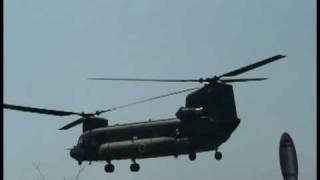 済生会から飛び立った大型ヘリコプターCH-47チヌークです。都合により音...