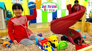 BABY PLAY HUYỀN HOUSE TO PLAY SOCCER SUPERMARKET, RECREATIONAL PLAY FOR SLIDING BY BABY LOVE