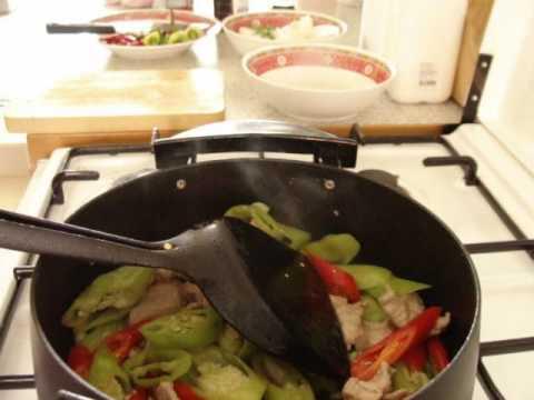 0 Thai Food Cooking: Moo Pad Prig (Pork and peppers stir fried)
