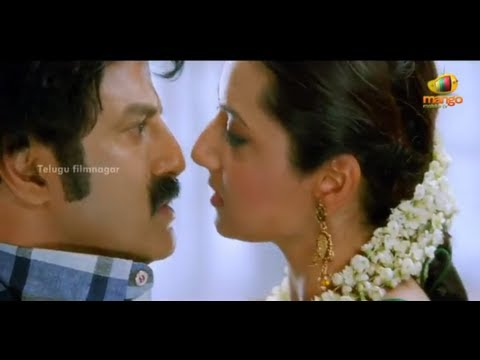 Srimannarayana Movie Scenes - Vijayakumar being awarded the Padma Shri - Balakrishna