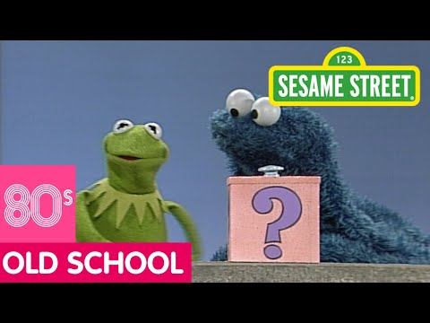 Sesame Street: Kermit And Cookie Monster And The Mystery Box