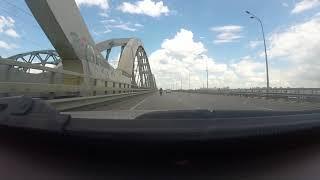 Audi A6 C5 2.5 TDI против мотоцикла - гонка на мосту! Не повторяйте в жизни!