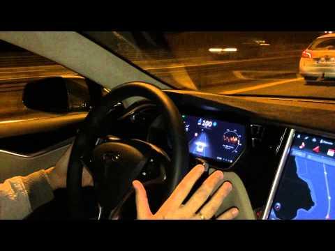 Conduciendo con el Autopilot del Tesla Model S