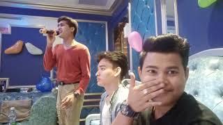 Htet Mon Funny with friends(ကာရာအိုေက ဆိုၾကမယ္ 😝)