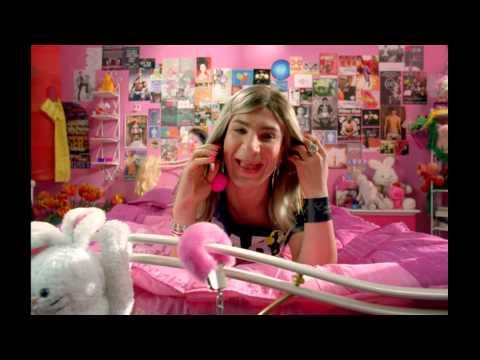 "Fatal Bazooka feat. Yelle ""Parle à ma Main"" HD"