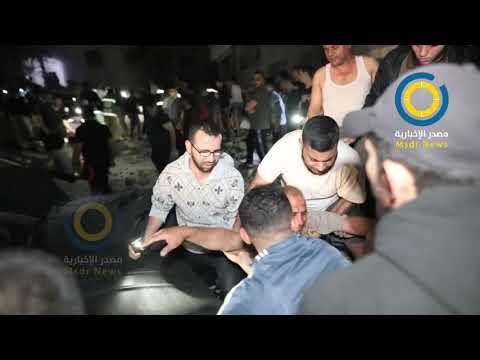 """""""وين سبتوني يابا"""" ..صرخات أبو حطب منادياً على أطفاله تحت أنقاض منزله بعد قصفهم في مخيم الشاطئ"""