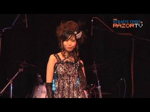 Lolita fashion runway (Yui Makino Pt 6)