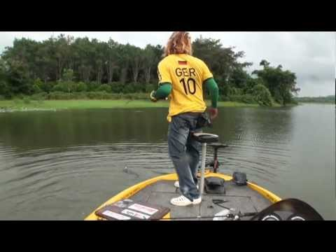 Fishing Thailand OWEN-Z กบส้นตีน from YouTube · Duration:  5 minutes 48 seconds  · 47.000+ views · uploaded on 23.08.2013 · uploaded by Owen-C FishingThailand