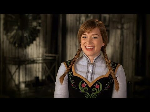 ENTREVISTA NO SET  Once Upon a Time  Elizabeth Lail