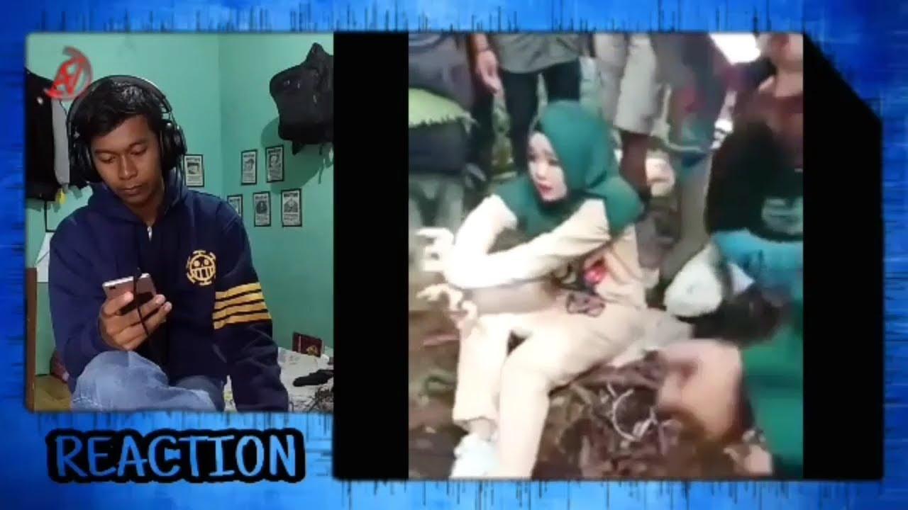 TAHAN TAWA CEWEK CANTIK JUGA BISA KESURUPAN - Video video ...