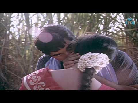 Karukamani karukamani : Mappillai Vanthachu ( Video Song )