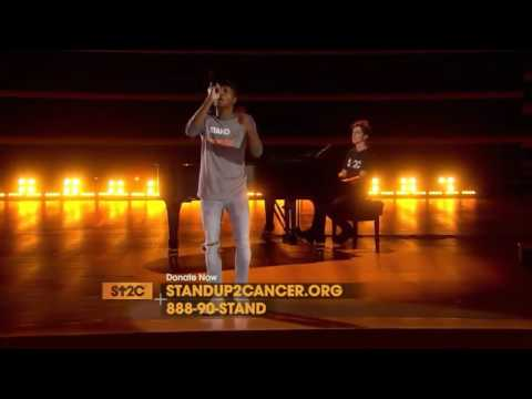 Charlie Puth Performing With Gallant And Alessia Cara At The SU2C Charity Event