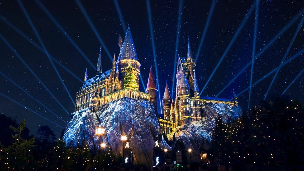 Christmas At Universal Studios Orlando.Universal Orlando Close Up Holiday Dates Announced At