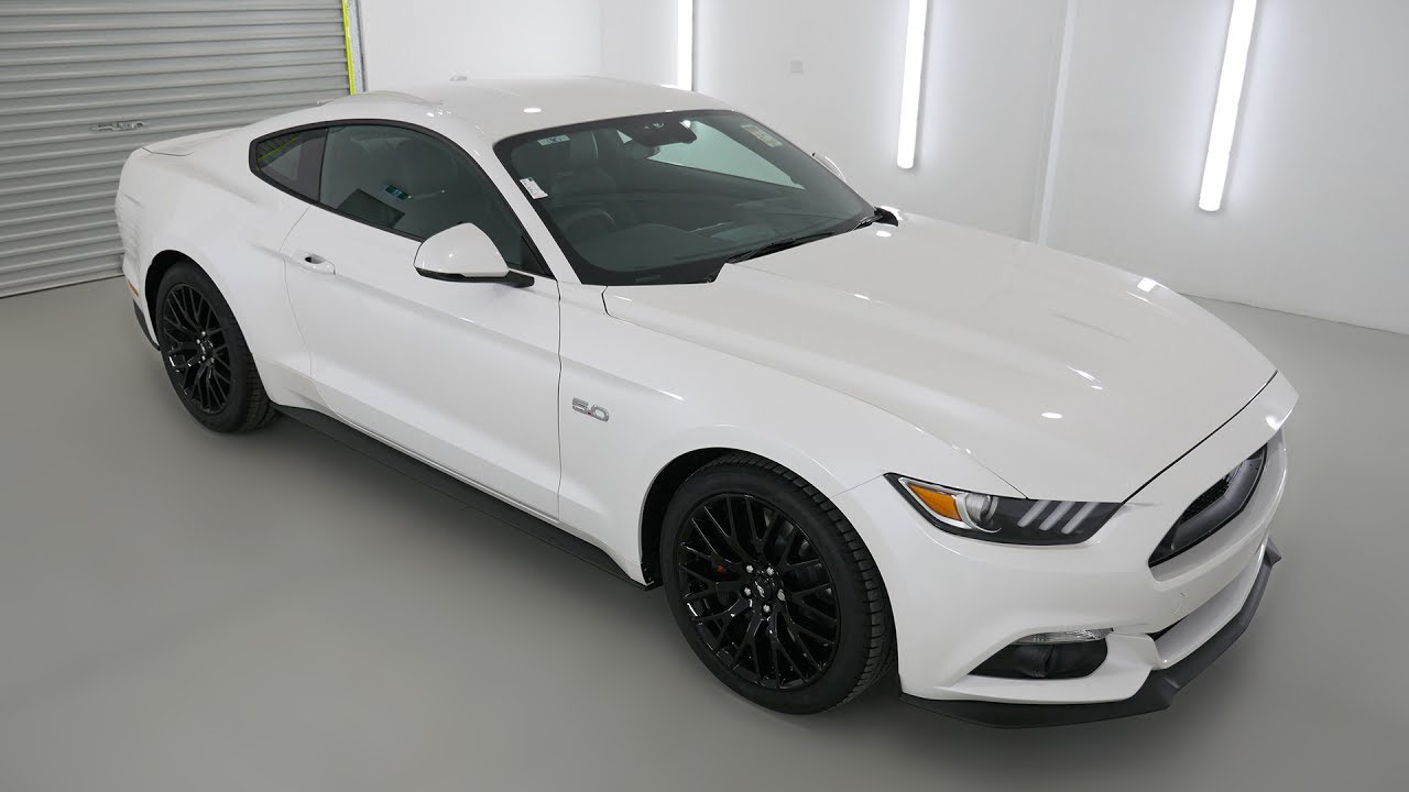 Ford mustang fastback white platinum auto coupe lmvq