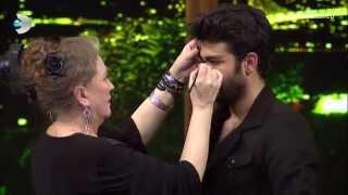 Beyaz Show - Suzan Kardeş sazı eline aldı!