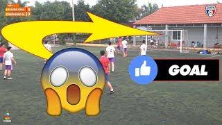 Bình luận Fun   Chết cười với trận bóng kinh điển trên sân bóng làng   El Clasico 2018