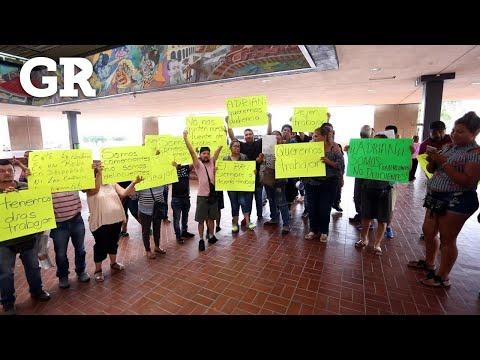 Protestan puesteros en Palacio Municipal | Monterrey