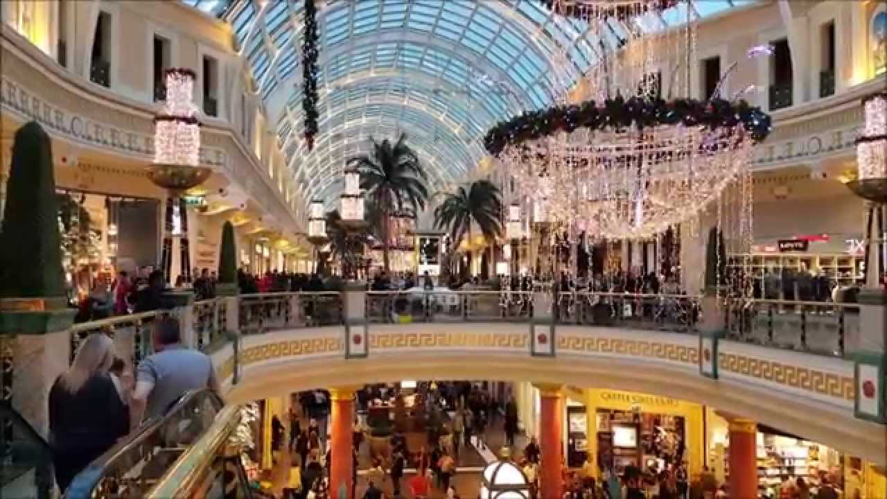 Cake Decorating Trafford Centre : The Trafford Centre at Christmas. - YouTube