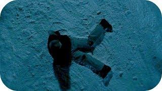 Дэн спрыгивает вниз и ломает ноги. Замёрзшие