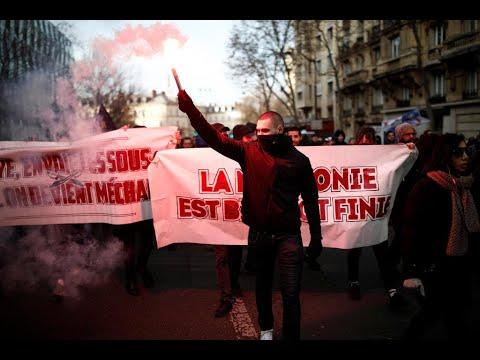 فرنسا: النقابات تنقل المعركة إلى الشارع وماكرون مصمم على تنفيذ إصلاح نظام التقاعد  - 16:00-2019 / 12 / 10