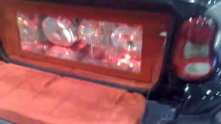 Міні-бар в автомобілі