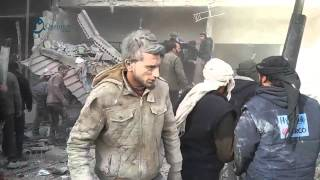 وكالة قاسيون  اللحظات الأولى من المجزرة في مدينة زملكا بريف دمشق 6-12-2015
