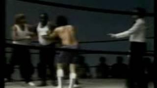 Os trapalhões - Didi lutando boxe com Dedé.3gp