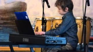 Download Video Concert Ludovic 7 ans MP3 3GP MP4