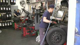 видео Профессиональный шиномонтаж шин runflat