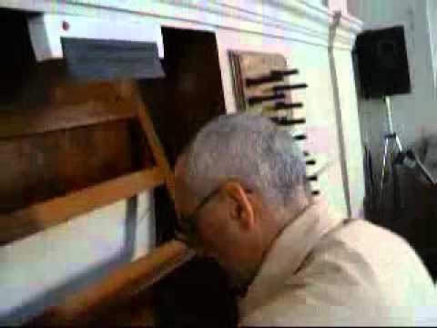 padre barzaghi in fuga.flv