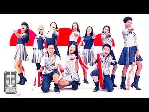 Duta Cinta & Titiek Puspa - Aku Bangga Jadi Anak Indonesia (Official Video)