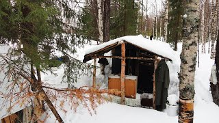 Зимний поход в метель Лесная изба балаган Рыбалка Таёжный быт Ночёвка в лесу Лесная кухня